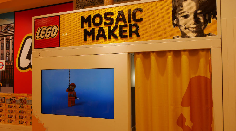 gallery-1479375748-lego-mosaic-maker-1